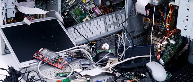 【自分で?プロに?】パソコンを処分する7つの方法をご紹介